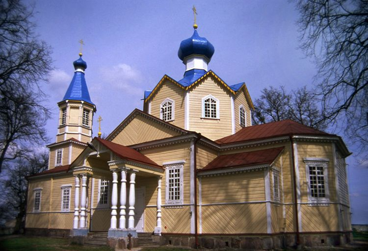 Wooden church in Losinka, Poland. Built in 1886.