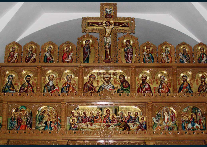 Contemporary iconostasis made by Viorela and Vintila Mihaesku which captures both symbolisms of the deisis and crucifixion together.