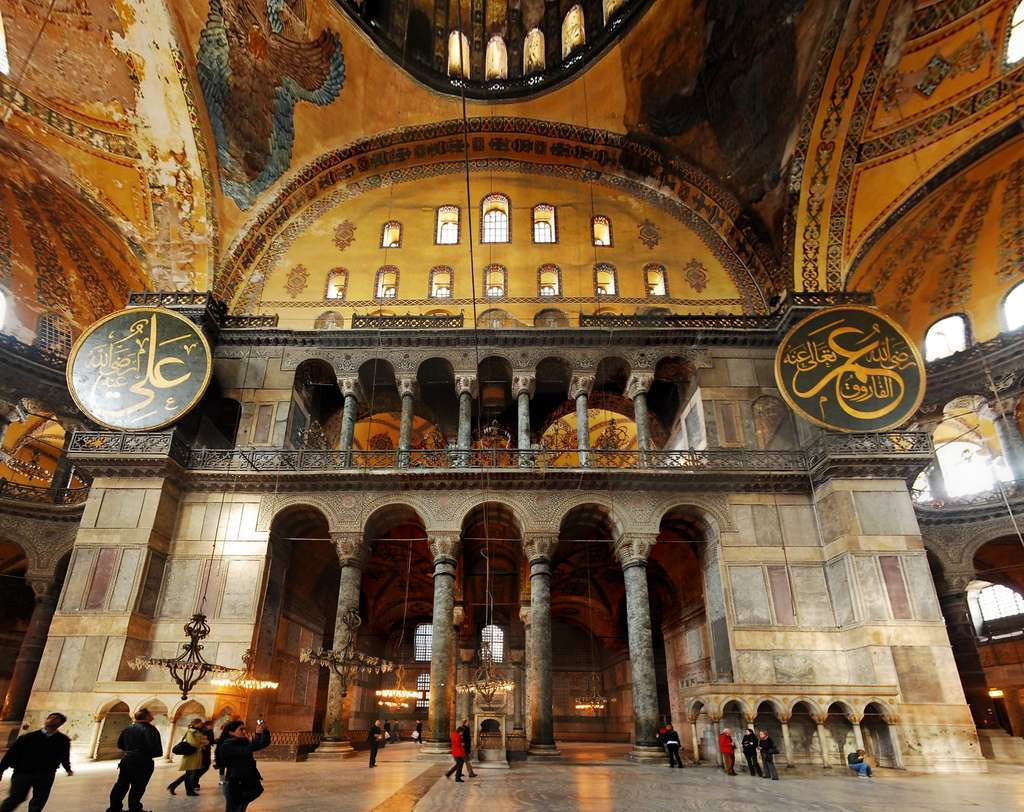 Agia Sophia, showing the sense of mystery created by having many spaces only partially visible from the nave.