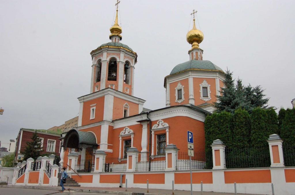 The main church at Podvorye.