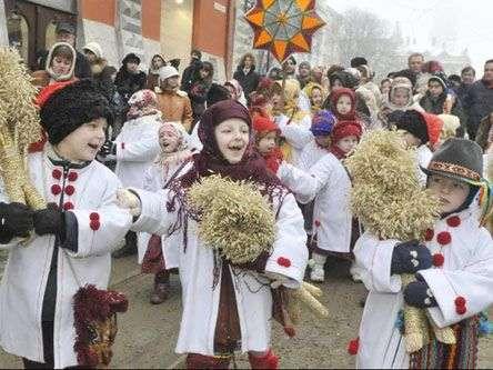 Christmas carolers, Ukraine