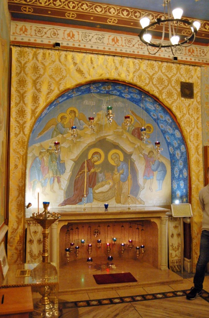 The replica Grotto of the Nativity, in the crypt.