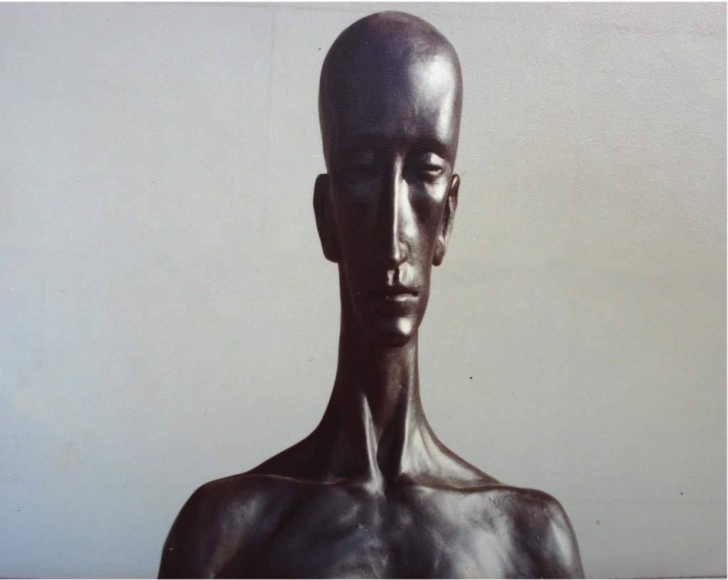 Head 6. By Aidan Hart, 1979. Ceramic.