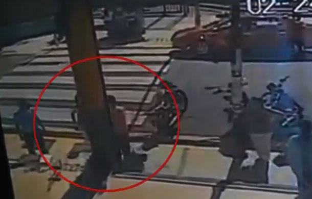 ICE investiga quien es agresor de mujer en video