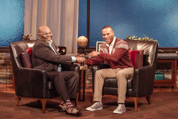 T d jakes show on bet how read the sports betting line