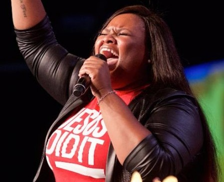 Tasha Cobbs performs at Fifth Annual Long Beach Gospel Festival Photo credit: Earl Gibson III