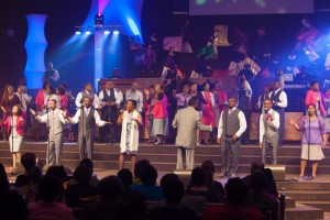 Straight Gate Mass Choir1-2