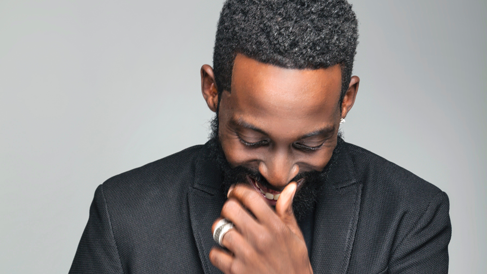 070816-design-tye-tribbett-press-portrait-2