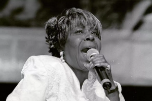 Singer Delores Washington-Green of legendary gospel group The Caravans dead at 82 (UPDATED with services)